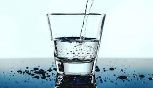 La disidratazione compromette le prestazioni cognitive: una meta-analisi