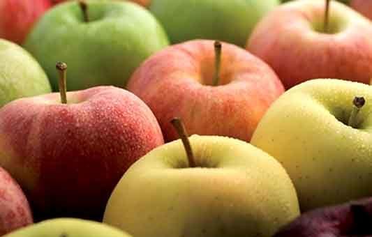 Per togliere i residui di pesticidi dalle mele lavatele con bicarbonato di sodio